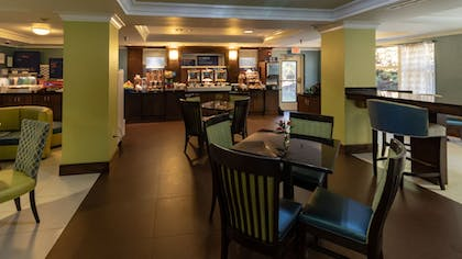 Breakfast Area | Holiday Inn Express Hotel & Suites Birmingham-Irondale(East)