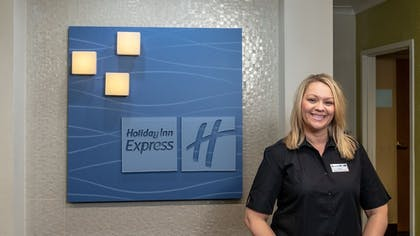 Reception | Holiday Inn Express Hotel & Suites Birmingham-Irondale(East)