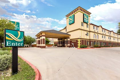 Exterior | Quality Inn near SeaWorld - Lackland