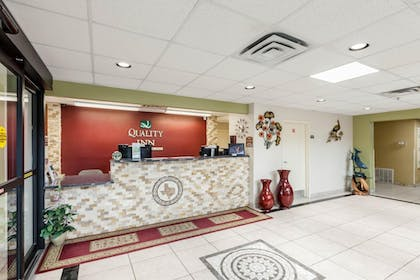 Lobby | Quality Inn near SeaWorld - Lackland
