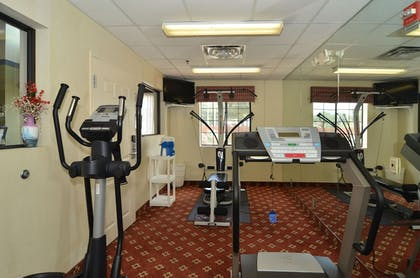 Fitness Facility | Quality Inn near SeaWorld - Lackland