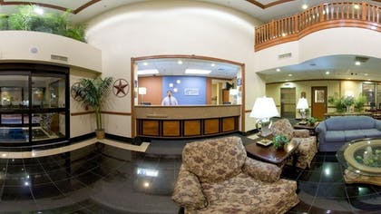 Lobby Sitting Area | Holiday Inn Express & Suites Houston - Memorial Park Area