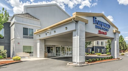 Hotel Entrance | Fairfield Inn & Suites by Marriott Bend Downtown