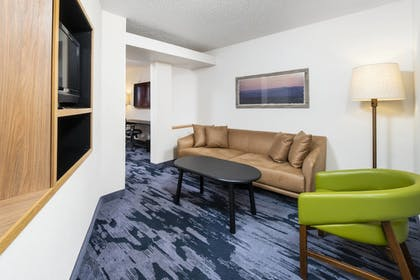 Living Area | Fairfield Inn & Suites by Marriott Bend Downtown