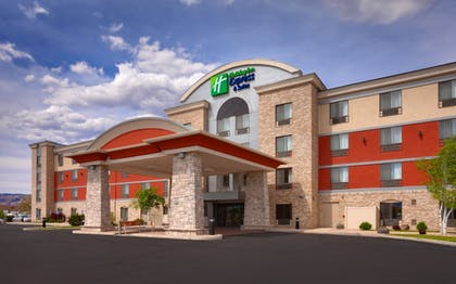 Featured Image | Holiday Inn Express & Suites Grand Junction