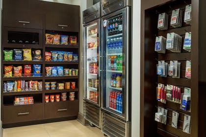 Snack Bar | Residence Inn by Marriott Houston Downtown/Convention Center
