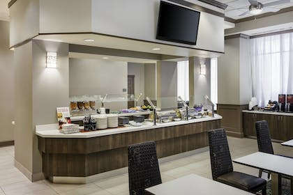 Breakfast buffet | Residence Inn by Marriott Houston Downtown/Convention Center