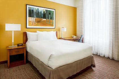 Guestroom | Residence Inn by Marriott Houston Downtown/Convention Center