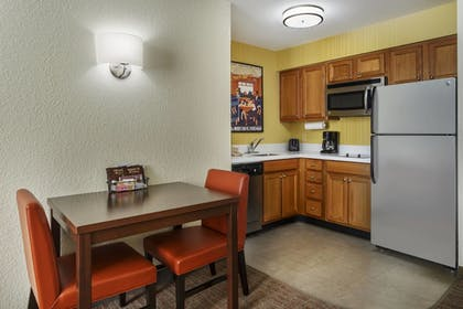 In-Room Kitchen | Residence Inn by Marriott Houston Downtown/Convention Center