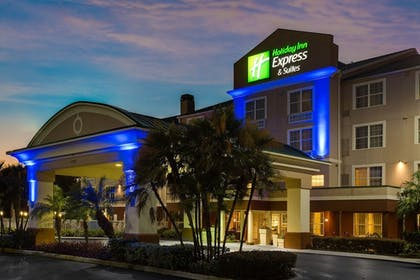 Exterior | Holiday Inn Express Sarasota East - I-75