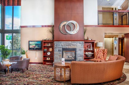 Lobby | Holiday Inn Express & Suites Richland
