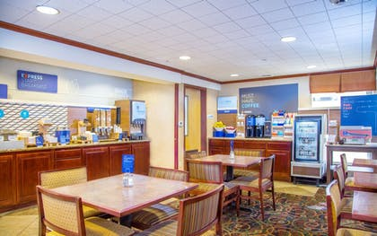 Restaurant | Holiday Inn Express & Suites Richland