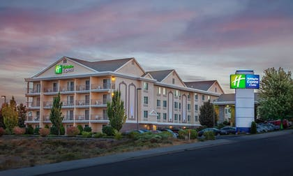 Hotel Front | Holiday Inn Express & Suites Richland