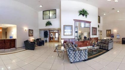 Lobby | Holiday Inn Express Hotel & Suites Meridian
