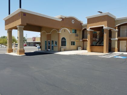 Hotel Front | Days Inn by Wyndham El Centro