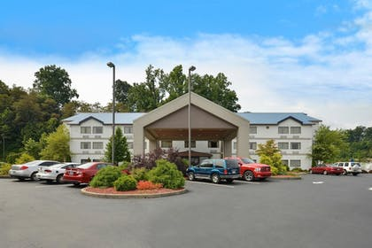 Hotel Front   Best Western River Cities