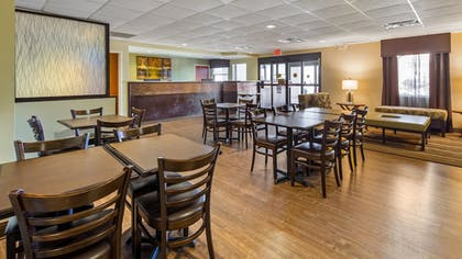 Lobby   Best Western River Cities