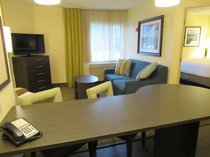 Room | Candlewood Suites Lake Mary