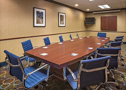 Meeting Facility | Holiday Inn Express Hotel & Suites Manchester Airport