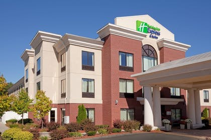 Featured Image | Holiday Inn Express Hotel & Suites Manchester Airport