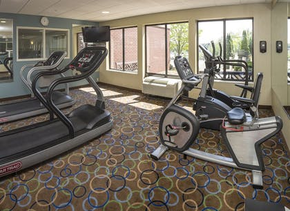 Fitness Facility | Holiday Inn Express Hotel & Suites Manchester Airport