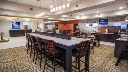 Dining | Holiday Inn Express Hotel & Suites New Tampa I-75