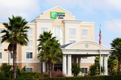 Exterior | Holiday Inn Express Hotel & Suites New Tampa I-75