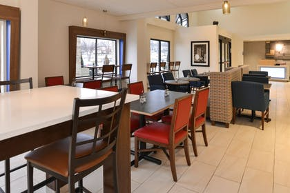 Restaurant | Holiday Inn Express & Suites Raleigh NE - Medical Ctr Area