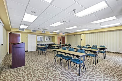 Meeting Facility   Holiday Inn St. Petersburg West