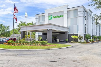 Hotel Front   Holiday Inn St. Petersburg West