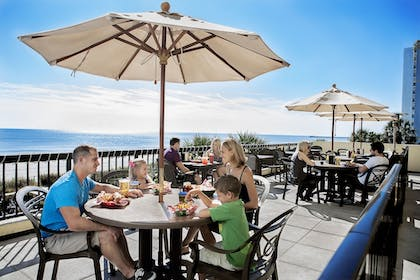 Outdoor Dining | Compass Cove Resort