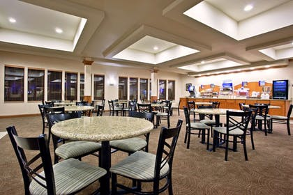 Restaurant   Holiday Inn Express Hotels and Suites Dayton North Tipp City