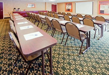 Meeting Facility | Holiday Inn Express Hotel & Suites Concord