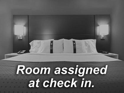 Room | Holiday Inn Express Hotel & Suites Dayton-Centerville