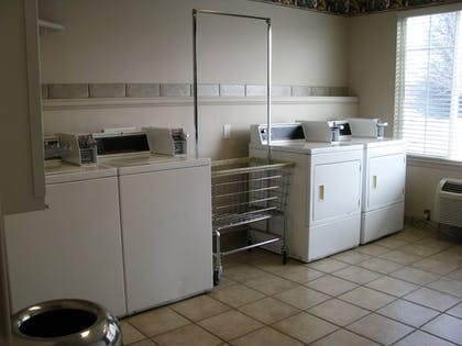 Laundry Room | Le Ritz Hotel and Suites