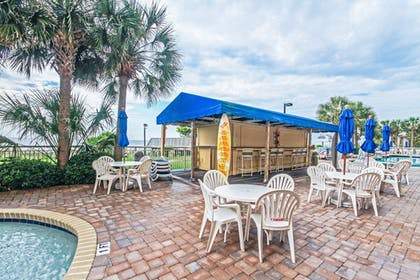 Poolside Bar | Camelot By The Sea by Oceana Resorts