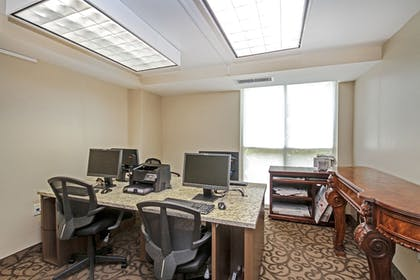 Business Center | Camelot By The Sea by Oceana Resorts
