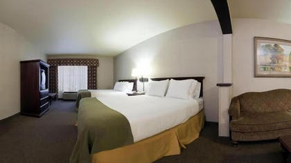Guestroom | Holiday Inn Express Hotel & Suites McCall-The Hunt Lodge