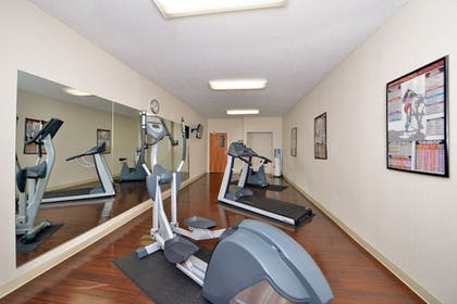 Fitness Facility | Best Western Plus New England Inn & Suites