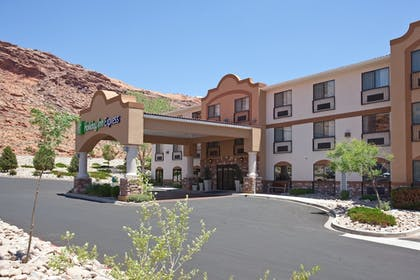 Exterior | Holiday Inn Express & Suites Moab