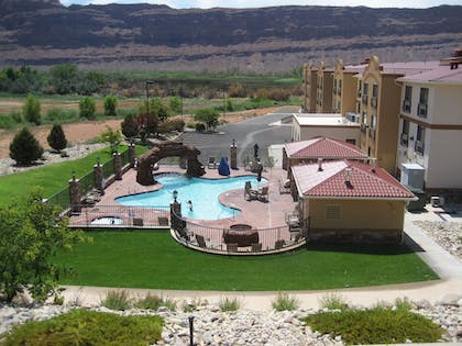 Pool | Holiday Inn Express & Suites Moab