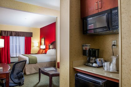 | Holiday Inn Express & Suites Williamsburg