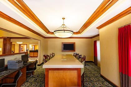 Business Center | Holiday Inn Express & Suites Williamsburg