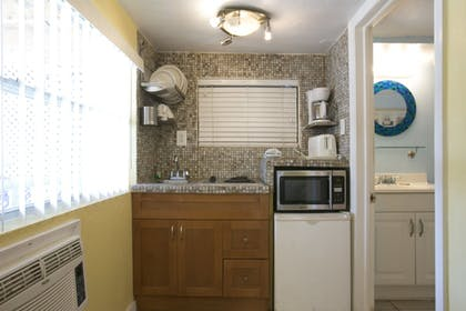 In-Room Kitchenette | Sun Deck Inn and Suites