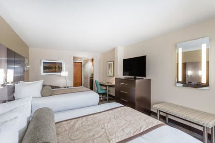 | 1 King Bed, Suite | Wingate by Wyndham - Orlando International Airport