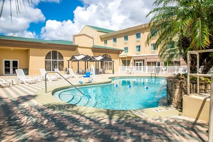 Pool | Holiday Inn Express Hotel & Suites Cocoa