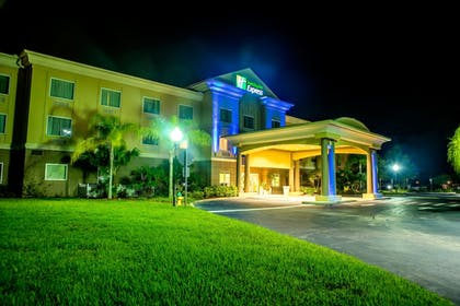 Featured Image | Holiday Inn Express Hotel & Suites Cocoa