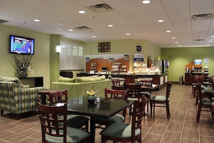 Restaurant | Holiday Inn Express Hotel & Suites Cocoa