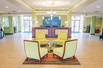 Lobby | Holiday Inn Express Hotel & Suites Cocoa