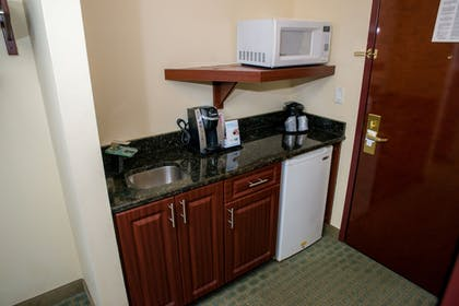 In-Room Kitchen | Holiday Inn Express Hotel & Suites Cocoa